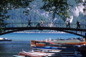 lovers bridge in annecy