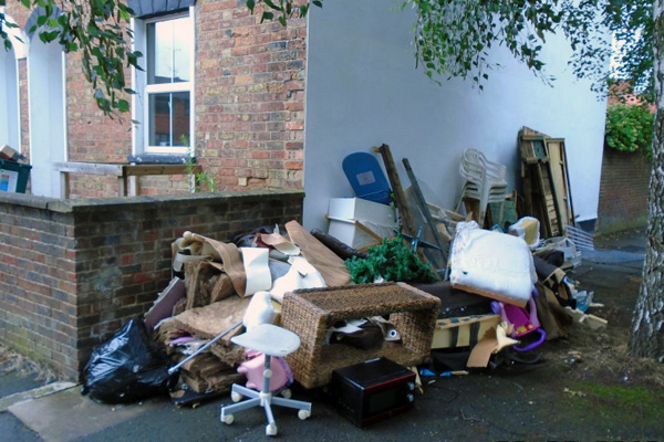 fly tipping in Nailsworth Terrace