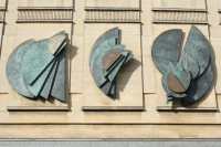 barbara hepworth sculpture in Cheltenham town centre